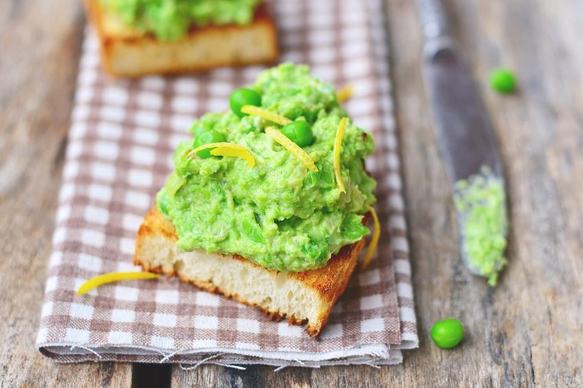6 Family Friendly Recipes Using Frozen Peas